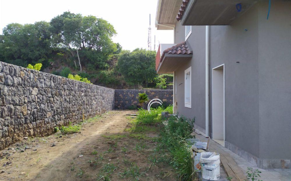 Valverde, Villa Carminello con giardino