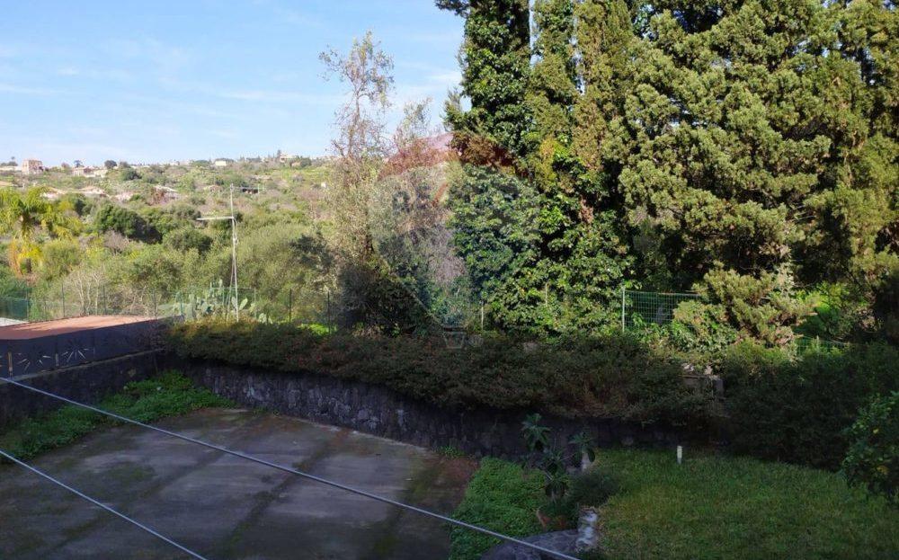 Cannizzaro via Firenze Ampio 4 vani ristrutturato